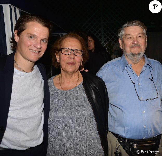 Exclusif - Bénabar, sa maman Liliane, son père Michel et son frère Sébastien - Soirée pour les 20 ans de carrière de Bénabar au XXII à Paris le 21 septembre 2015.