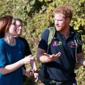 "Prince Harry : ""Pas près de se caser"", le bachelor barbu poursuit son périple..."