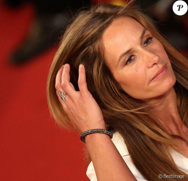 """Cécile de France - Montée des marches du film """"Shan He Gu Ren"""" (Mountains May Depart) lors du 68e Festival International du Film de Cannes, le 20 mai 2015."""