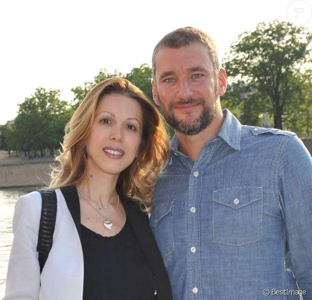Tristane Banon et son compagnon Pierre Ducrocq lors du 3e trophée de la Pétanque Gastronomique au profit de l'Etoile de Martin à Paris le 2 juillet 2015