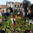 Eric Lejoindre, Mélanie Thierry et Raphaelau ban des vendanges de Montmartre, le 10 octobre 2015.
