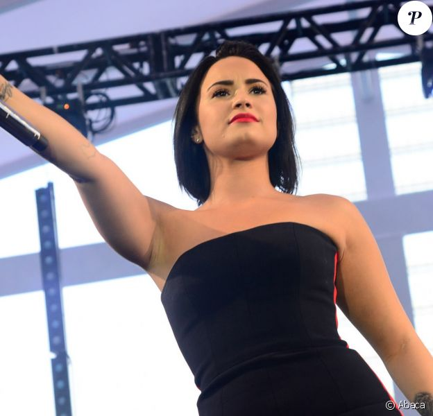 Demi Lovato en concert au JK Iguatemi Mall de Sao Paulo, au Brésil, le 20 octobre 2015