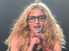 REPORTAGE PHOTOS : Madonna, elle a besoin de lunettes sur scène maintenant !