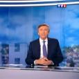 Jacques Legros présente le JT de 13 Heures de TF1, le vendredi 30 octobre 2015.