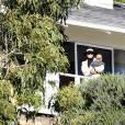 Kourtney Kardashian, ses enfants Reign, Penelope et Mason et sa mère Kris Jenner rendent visite à Scott Disick dans sa chambre en centre de désintoxication. Malibu, le 8 novembre 2015.
