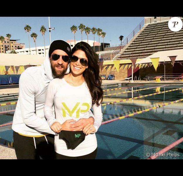 Michael Phelps et sa fiancée, Nicole Johnson, ont annoncé sur Instagram attendrent un bébé, novembre 2015.