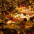 """Hommages aux victimes de l'attentat terroriste du café """"La Belle Equipe"""" au 92 rue de Charonne dans le 11ème arrondissement, à Paris le 15 novembre 2015. © Vincent Emery / Bestimage"""