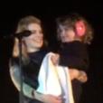 Coeur de Pirate et sa fille Romy, au Moulin, à Marseille, le 19 novembre 2015.