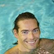 Camille Lacourt : Slip de bain et cire pour figer le beau gosse des bassins