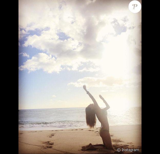Nicole Scherzinger à Hawaï fin novembre 2015