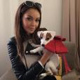 Nabilla présente son nouveau chien : Pita ! Le 2 décembre 2015.