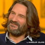 "Frédéric Beigbeder, fier papa d'Oona : ""Elle dort bien la nuit"""