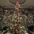 Le sapin de Noël des Kardashian / photo postée sur Twitter, le 15 décembre 2015.