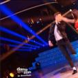 Loïc Nottet et Denitsa Ikonomova dans la demi-finale de Danse avec les stars 6 sur TF1, le vendredi 18 décembre 2015.