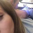 Fanny Maurer se fait tatouer les fesses chez Monsieur Bleu