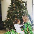 Khloé Kardashian et sa nièce Penelope fêtent Noël en famille à Los Angeles, le 25 décembre 2015.