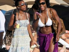 REPORTAGE PHOTOS : Kelly Rowland et Serena Williams super sexy à la plage !