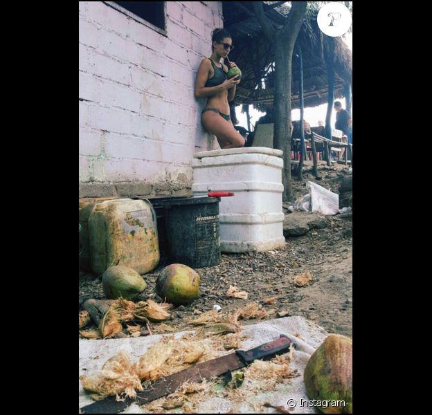 Laury Thilleman : ses photos sexy de vacances en Colombie