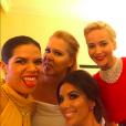 America Ferrera a posté un selfie génial avec Eva Longoria, Amy Schumer et Jennifer Lawrence lors des Golden Globes 2016