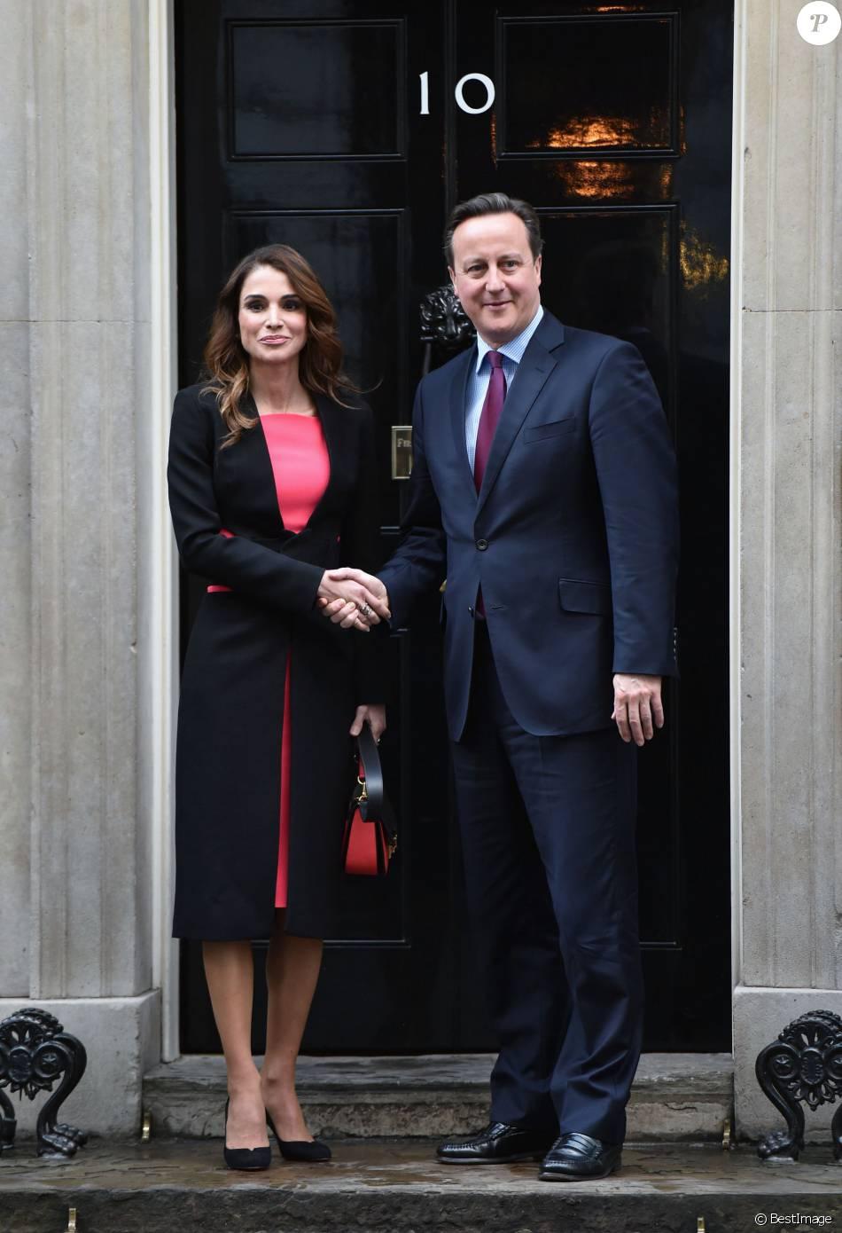 La reine Rania de Jordanie, reçue le 8 janvier 2016 au 10 Downing Street par le Premier ministre britannique David Cameron, a pu évoquer avec lui la crise syrienne. L'épouse du roi Abdullah II entamait un tour d'Europe pour trouver des soutiens pour la Jordanie et des solutions face au nombre des réfugiés syriens.