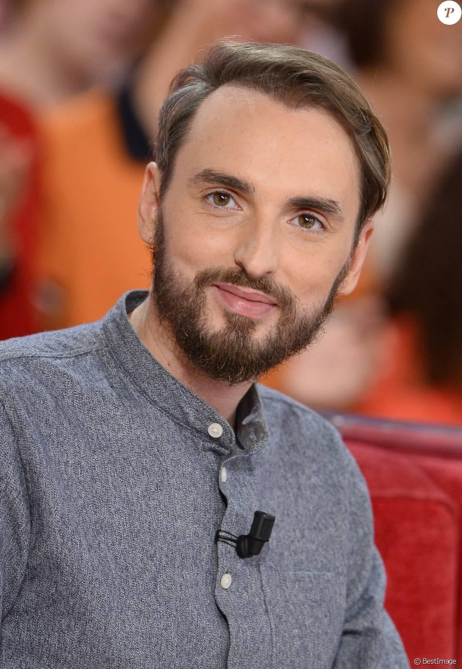 Christophe Willem - Enregistrement de l'émission  Vivement Dimanche  à Paris le 30 septembre 2015.