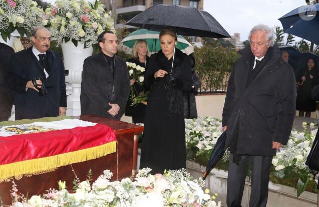 Semi-exclusif - Farah Diba Pahlavi, parmi une soixantaine de personnes proches de la défunte, assistait le 14 janvier 2016 aux obsèques de la princesse Ashraf Pahlavi, soeur jumelle du dernier Shah d'Iran (Mohammad Reza), au cimetière de Monaco le 14 janvier 2016.