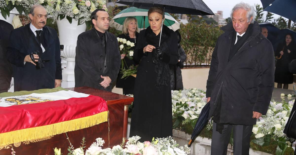 Obs ques d 39 ashraf pahlavi farah diba en deuil adieu for Shah bano farah pahlavi