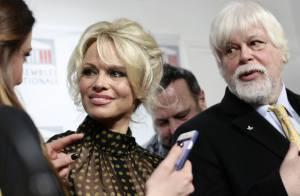 Pamela Anderson à l'Assemblée : Des journalistes en viennent aux mains !