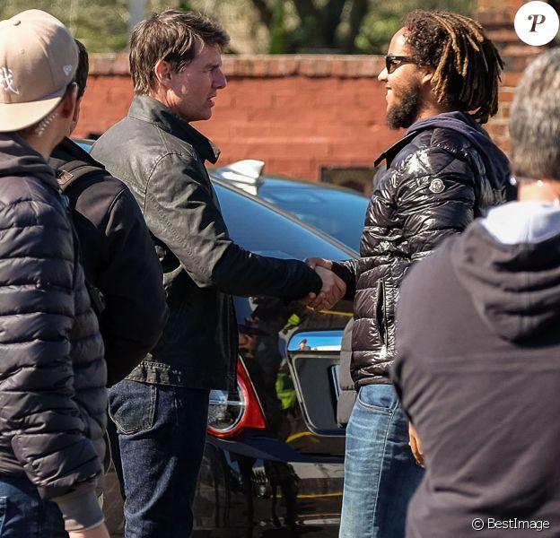 """Exclusif - Connor Cruise vient rendre visite à son père Tom Cruise sur le tournage du film """"Jack Reacher: Never Go Back"""" à la Nouvelle-Orléans, le 20 janvier 2016"""