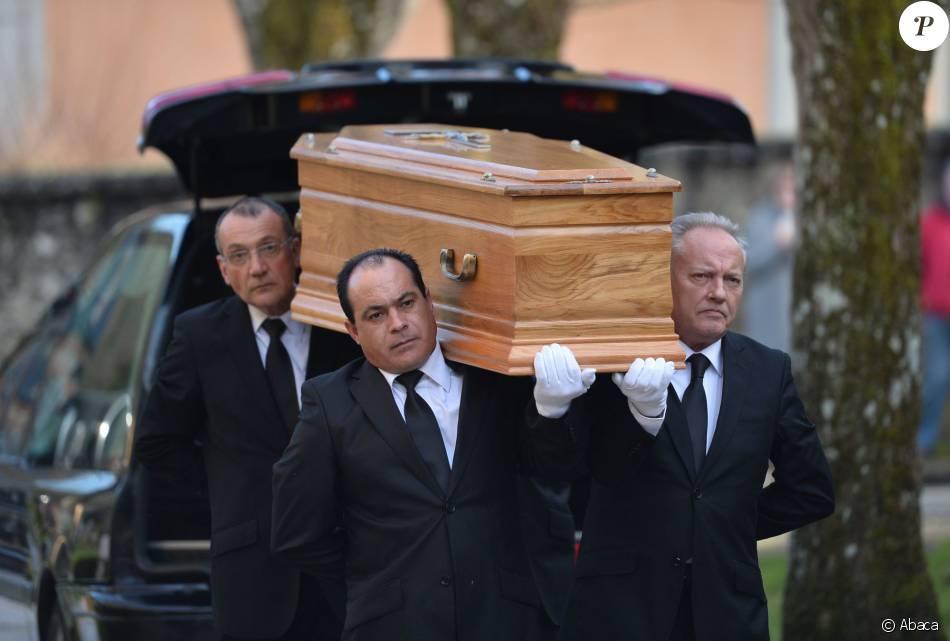 Obsèques de l'écrivain Michel Tournier décédé le 18 janvier, en l'église de Saint-Jean-Baptiste à Choisel, le 25 janvier 2016