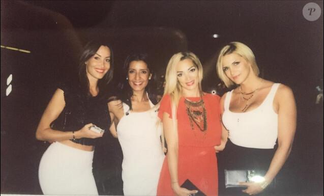 Emilie Nef Naf passe une soirée entre filles avec ses amies sa BFF Sidonie Biemont et Caroline Boutier. Juillet 2015.