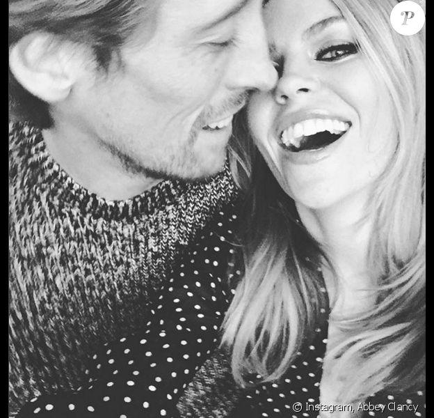 Abbey Clancy avec son époux Peter Crouch à l'occasion du 35e anniversaire de celui-ci - Photo publiée le 30 janvier 2016