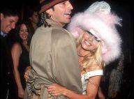 """Pamela Anderson """"traumatisée"""" par sa sextape volée : Elle clashe Paris Hilton"""