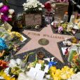 Hommages à Robin Williams sur son étoile sur le Walk of Fame à Los Angeles