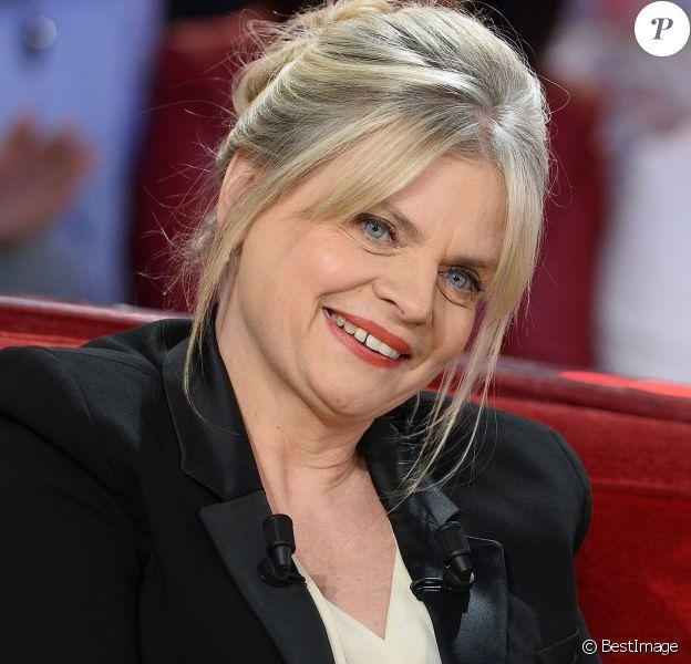 """Isabelle Nanty - Enregistrement de l'émission """"Vivement Dimanche"""" à Paris le 20 Janvier 2016 © Coadic Guirec/Bestimage"""