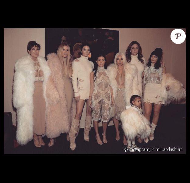 Kris Jenner, Khloé Kardashian, Kendall Jenner, Kourtney et Kim Kardashian, North West, Caitlyn et Kylie Jenner assistent à la présentation YEEZY Season 3 au Madison Square Garden. New York, le 11 février 2016.