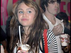 REPORTAGE PHOTOS : Miley Cyrus a un très vilain défaut...