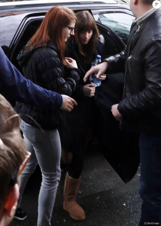 """Exclusif - Dakota Johnson - Premières images des membres du casting de """"fifty Shades Darker"""" à Vancouver le 16 février 2016."""