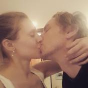 Kristen Bell, 1er selfie sur Instagram : Un baiser romantique et langoureux !