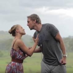 Kristen Bell et son mari Dax Shepard se mettent en scène lors de leurs vacances en Afrique. Vidéo publiée sur Youtube le 27 janvier 2016.