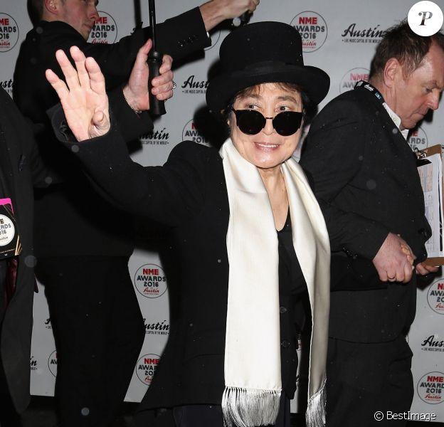"""Yoko Ono - Photocall de la soirée """"NME Awards"""" à Londres. Le 17 février 2016"""