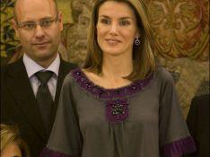REPORTAGE PHOTO : La princesse Letizia d'Espagne reçoit des enfants au palais... à la cool !