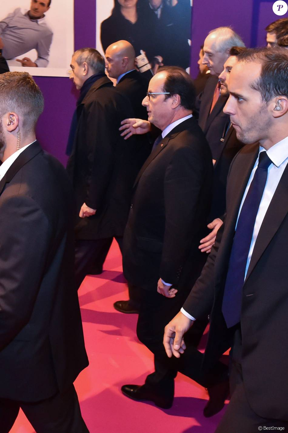 Le pr sident de la r publique fran ois hollande inaugure for Hollande salon agriculture