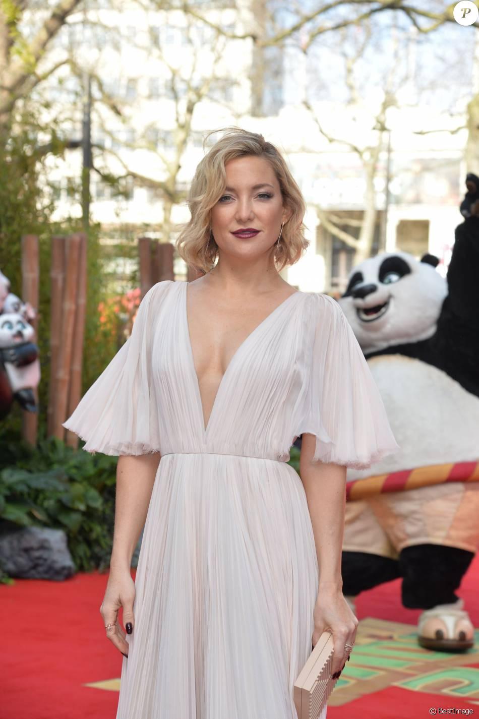 Kate Hudson (robe J Mendel) décolletée lors de la première de Kung Fu Panda 3 à Londres le 6 Mars 2016.