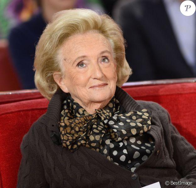 """Bernadette Chirac lors de l'Enregistrement de l'émission """"Vivement Dimanche"""" à Paris le 28 octobre 2015 et qui sera diffusée le 01 novembre 2015, Invité principal Patrick Poivre d'Arvor. © Coadic Guirec / Bestimage"""