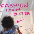 """""""North West s'amuse avec le kit de vernis de Kylie Jenner. Photo publiée sur le compte Snapchat de Kim Kardashian, le 17 mars 2016."""""""