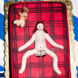 Terry Richardson a publié une photo du gateau de la baby-shower de sa petite amie Alexandra qui attend des jumeaux sur sa page Instagram, au mois de janvier 2016.