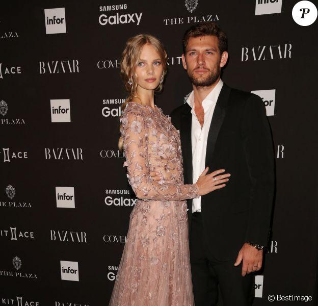 """Alex Pettyfer et sa petite-amie Marloes Horst lors de la soirée """"Harper's Bazaar Icons"""", le 16/09/2015 - New York"""