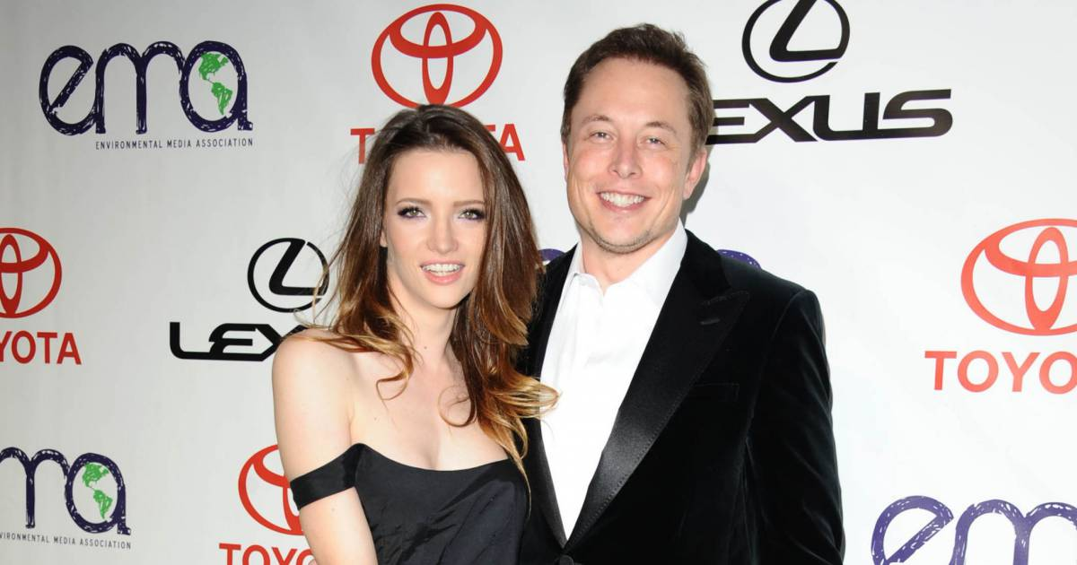 riley divorced singles Nicolas cage and lisa marie presley officially divorced by: elvis australia lisa marie presley and riley keough on oprah: especially his singles of the 1950s.