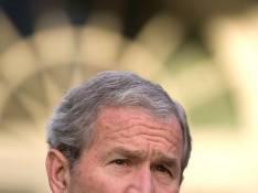 George W. Bush va encore en prendre pour son grade... avec un super cinglé !